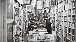 大型書店に行ってもブログの本が無いってことは、ブログ副業が一般的じゃなくなったってこと?
