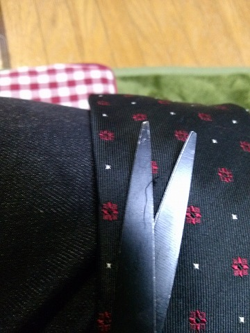 ネクタイ ほつれ 補修