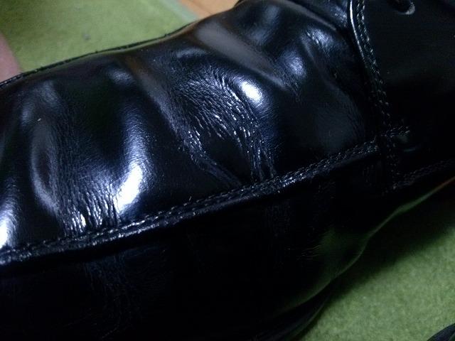 革靴 シワ 伸ばす