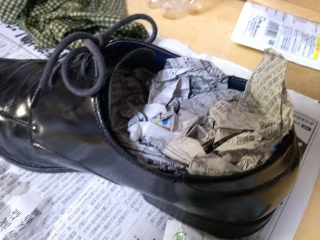革靴 シワ伸ばし