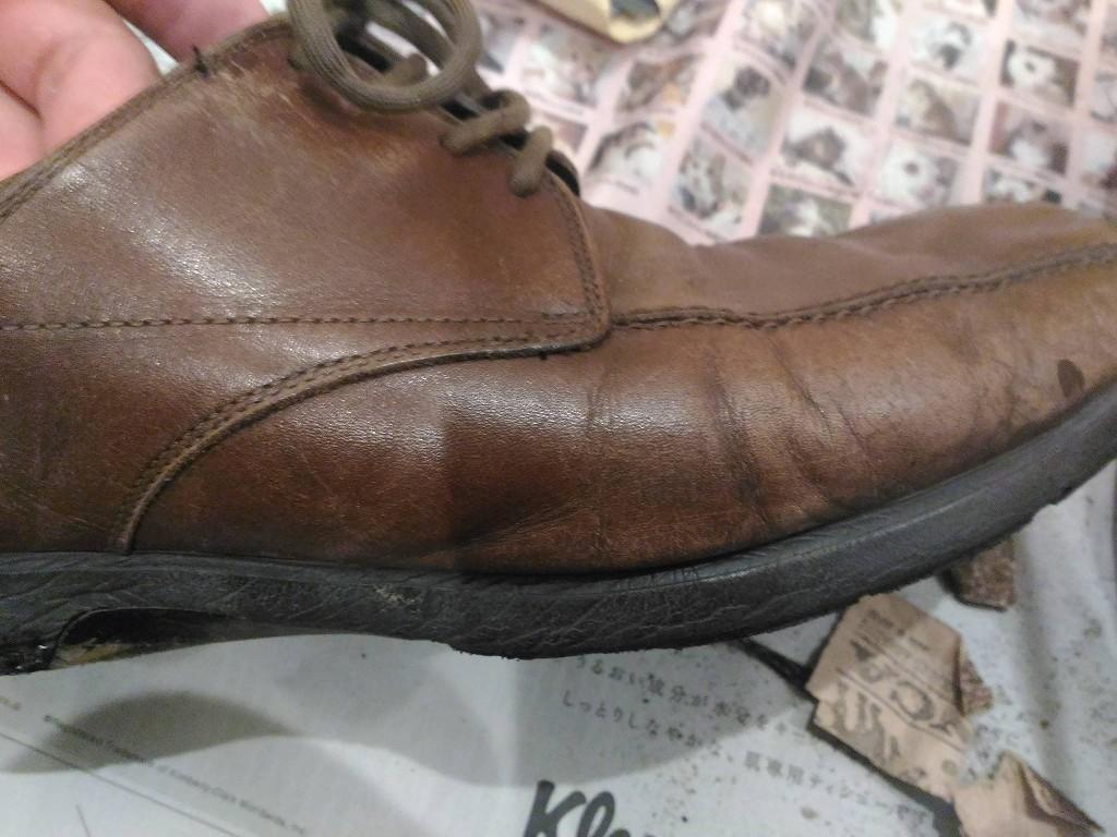 革靴 茶色 色あせ