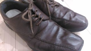 茶色の革靴の色あせをDIY補修!「リカラー(染め替え)」の方法まとめ