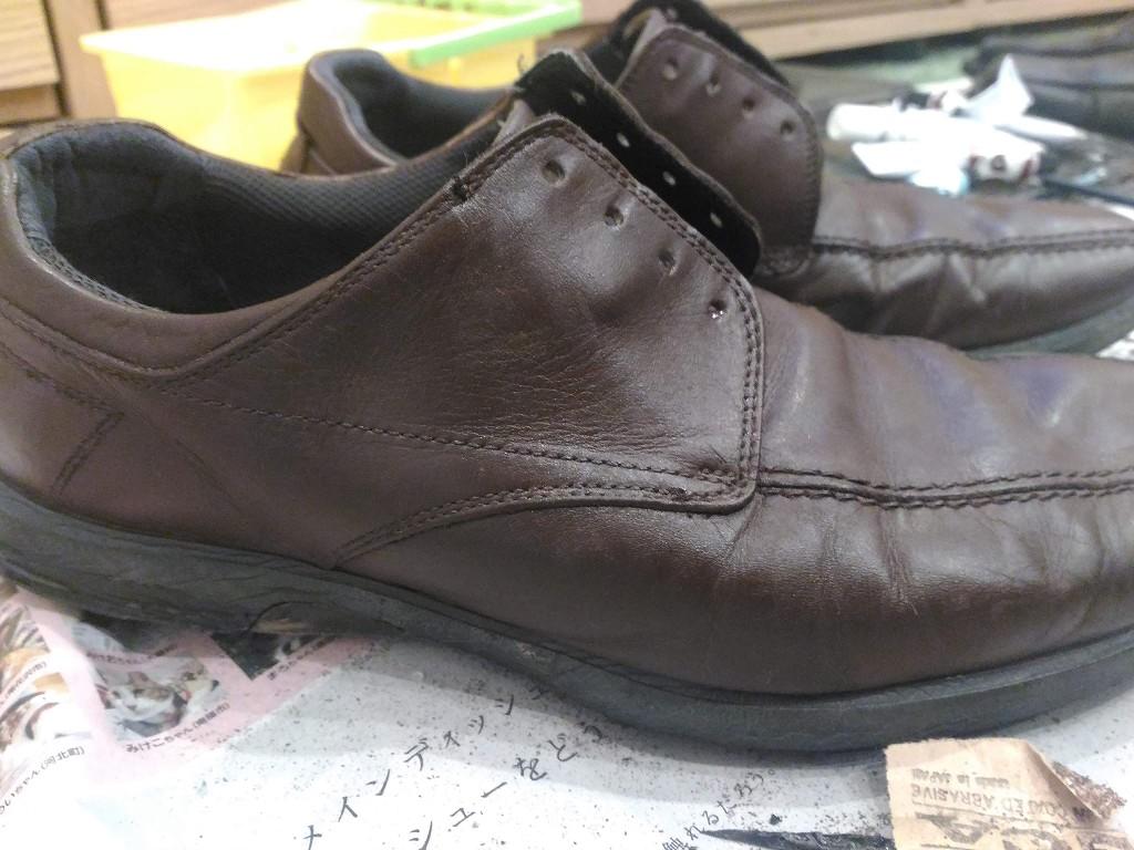 革靴 リカラー 塗り終わり 横